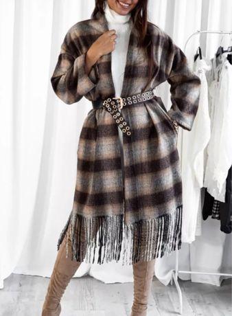 Nowy płaszcz w kratę
