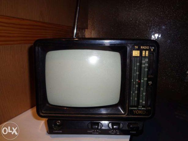 Televisão preto e branco com rádio  de ligar ao isqueiro do carro Yoko