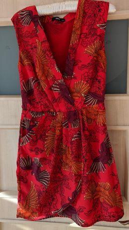 Czerwona kobieca sukienka Oasis Azja 34 ciekawy wzór ptaki
