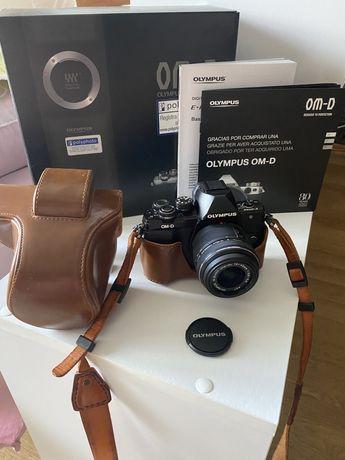 Фотоапарат Olympus E-M 10 Mark ||