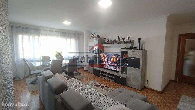 Apartamento T2 c/ Varanda Marquisada em Susão | Valongo