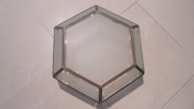 candeeiro de tecto em latão e vidro fosco