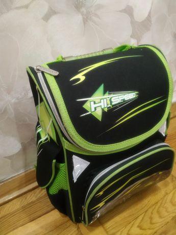 Рюкзак школьный Class для первоклассника