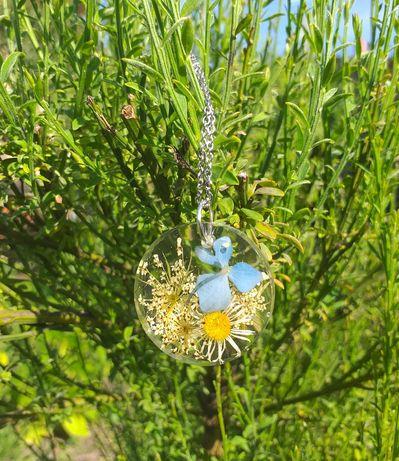 Naszyjnik  prawdziwe kwiaty hortensja stokrotka w żywicy
