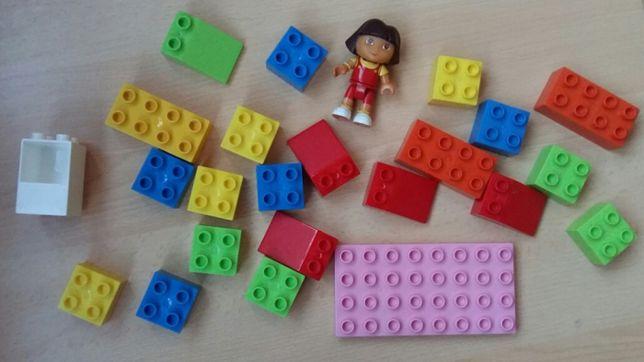 Конструктор типа Лего Дупло и Даша путешественница