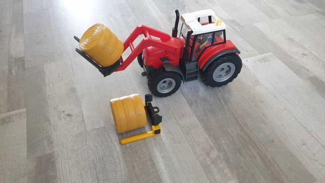 Playmobil traktor z belami słomy