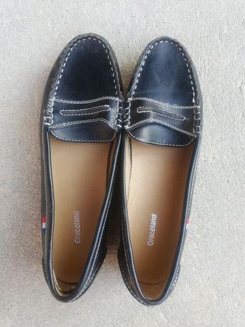 Взуття жіноче 40-41