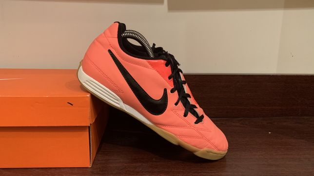 Футзалки бампы Nike T90 25,5-26 см