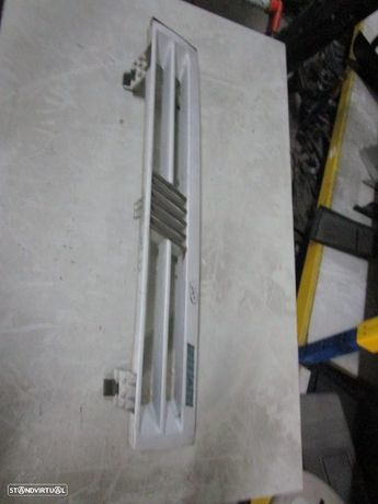 Grelha Frente 7620099 FIAT / UNO / 1993 /