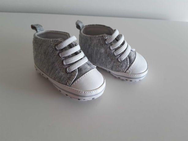 Sapatos bebé 3-6 meses Novos