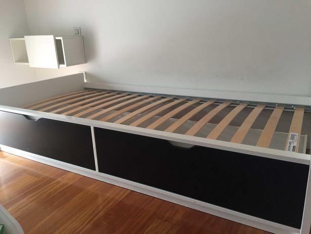 Cama de Solteiro Ikea + Estrado + Mesinha de Cabeceira + Colchão