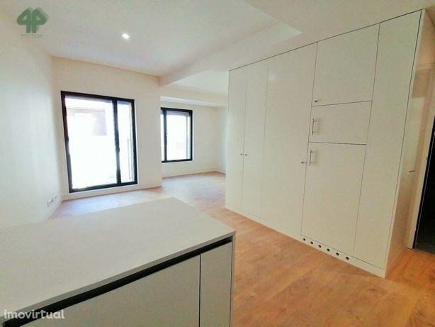 Apartamento T0 Novo com lugar de garagem, Ramada Alta