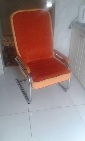 Fotel tapicerowany z oparciem