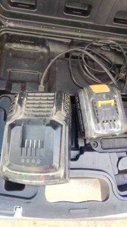 Carregador e bateria parafusadora