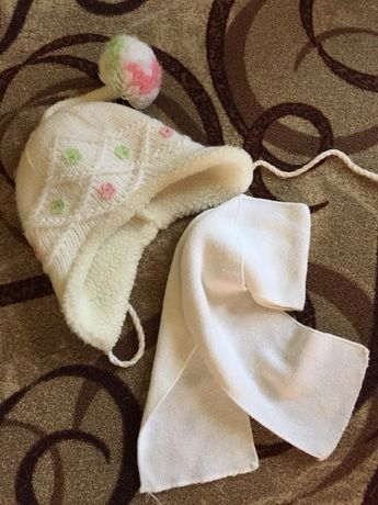 Шапка и шарф на девочку 4-5 лет