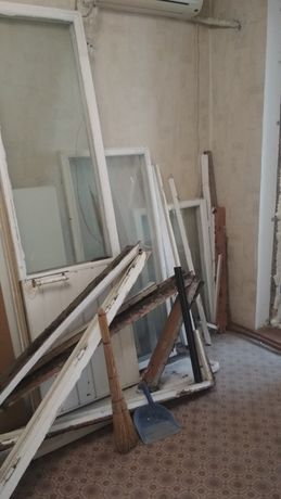 Бесплатно деревянные окна двери и дрова