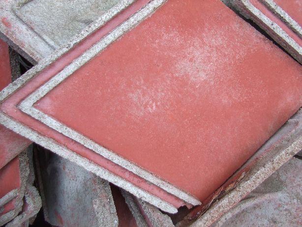 dachowka czerwona ok 2000 sztuk-sprzedam/zamienie