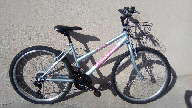 Bicicleta de Senhora Marca Shimano roda 26 como nova