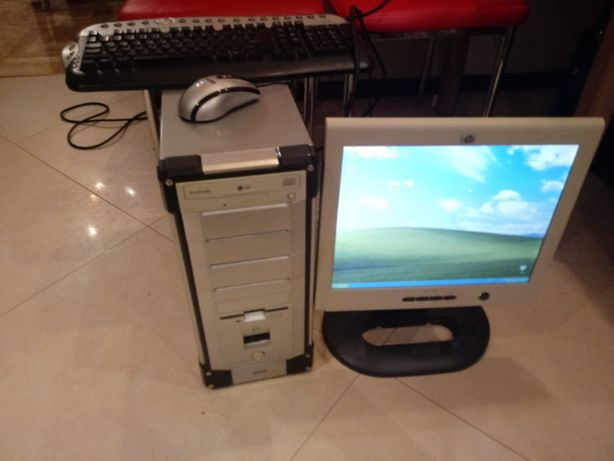 pc, komputer stacjonarny, monitor, klawiatura