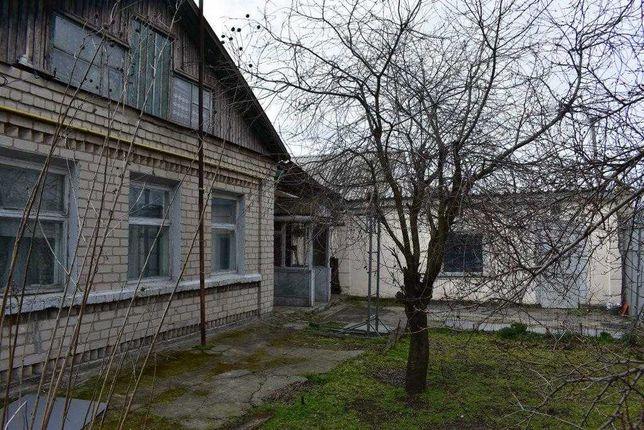 Часть дома с отдельным двором и гаражом