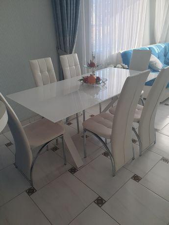 Продам стол с белого стекла