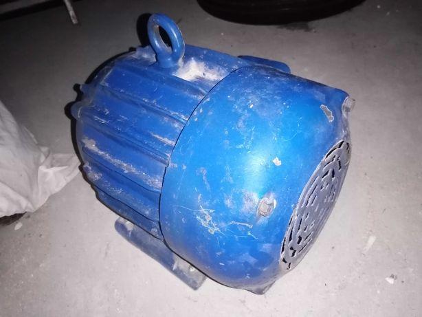 silnik elektryczny 7,5 kw//2830 obr