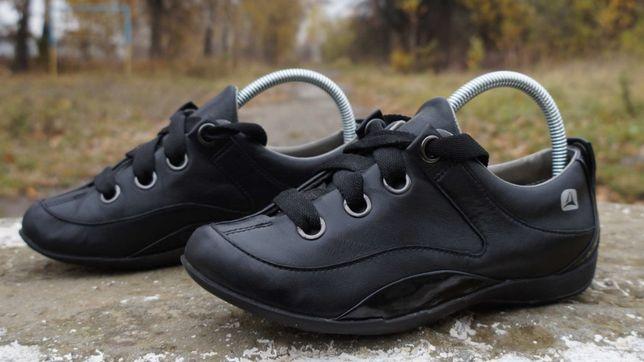 Шкіряні жіночі туфлі, мокасіни Clarks