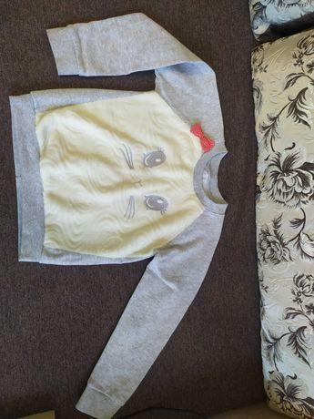Красивый свитер кофта на девочку 5-6 лет