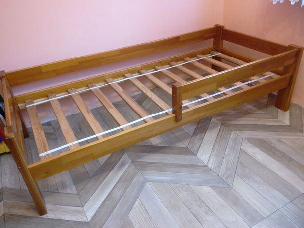 łóżko drewniane z Ikea