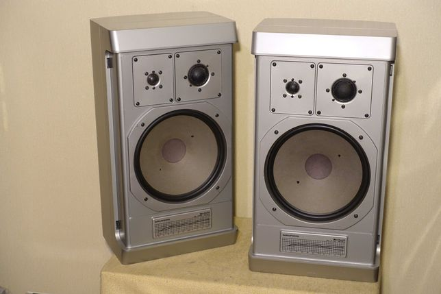 Топовая 3-х полосная акустика GRUNDIG BOX M1500 (140Вт/10кг)(ЗВУК!)