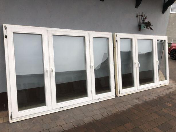 Okna drewniane z roletami i parapetami wewnętrznymi, dwa komplety