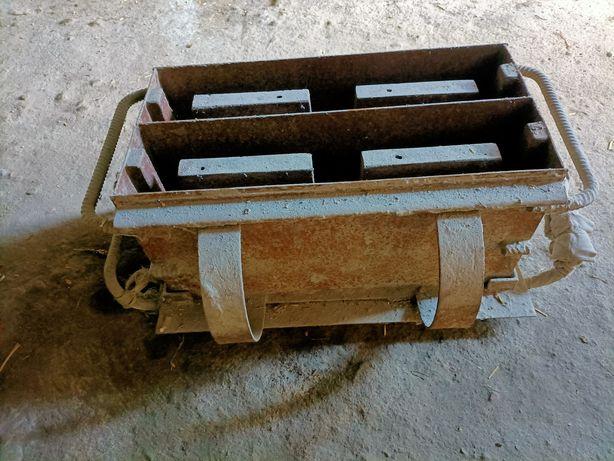 Formy do pustaków, bloczków