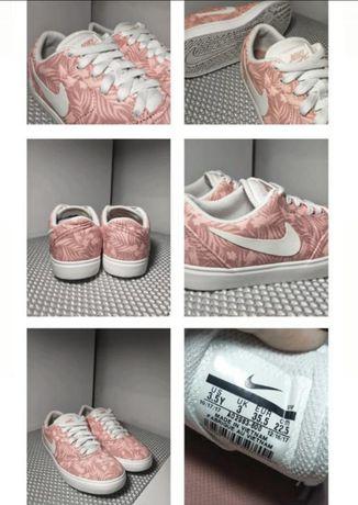 Фірмові кеди Nike