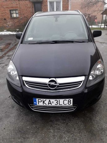 Opel zafira bezwypadkowy