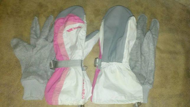Перчатки подростковые Snowlife и Tresspas жен.