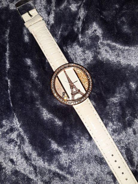 Часы женские наручные, белые, круглые