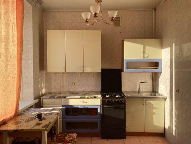 Сдам 2-х комнатную квартиру возле метро Дарница.