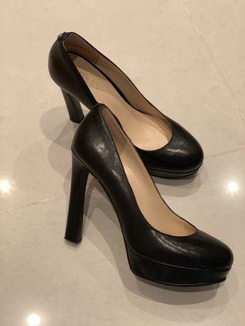 Кожаные туфли Guess !