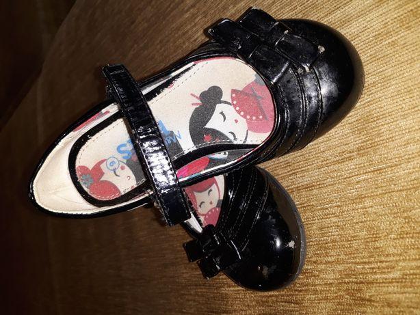 Лакированные туфельки