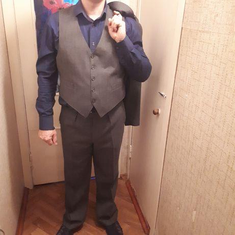 Деловой мужской костюм