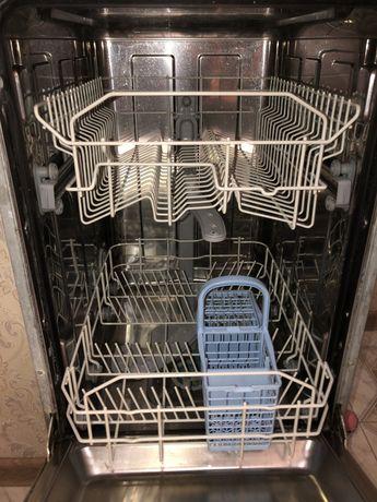 Посудомоечная машина Indesit Dis16