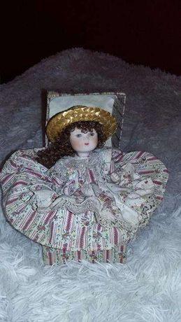 Boneca de Porcelana Decorativa em caixa