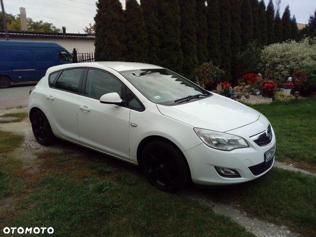 Opel Astra Opel Astra J (4)