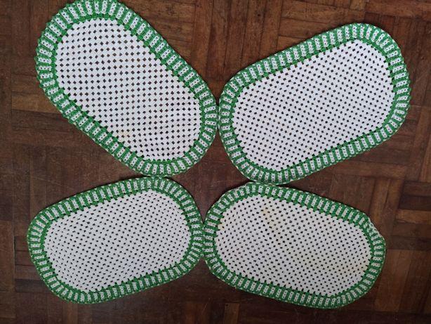 Naperos em renda de crochet verde e branco (4)