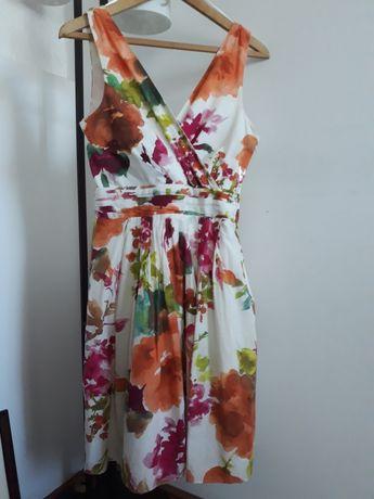 Bawełniana sukienka żywe kolory abstrakcyjne kwiaty dekolt V