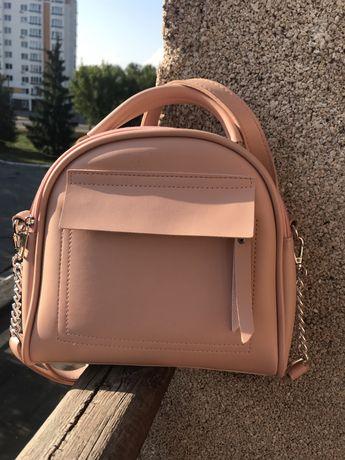 Красивая и удобная женская сумочка