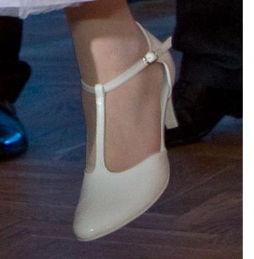 Białe buty skórzane , ślubne