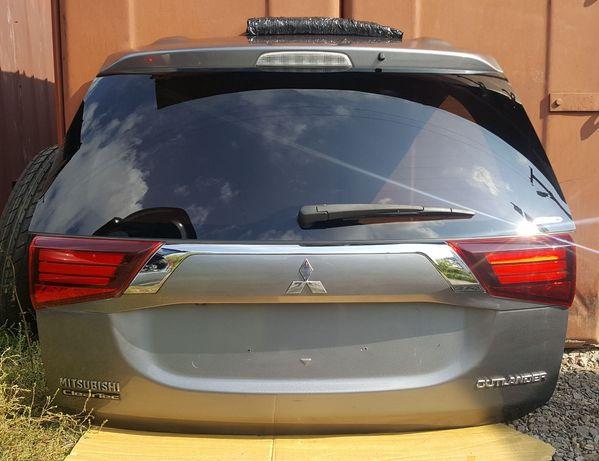 Кришка крышка багажника ляда U17 Mitsubishi Outlander III Оутлендер 3