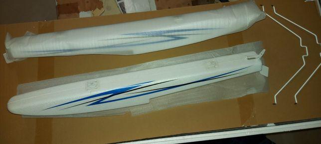 Avião de aeromodelismo flutuadores novos