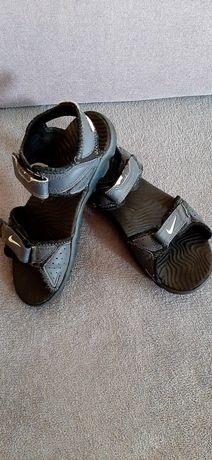 Sandały Nike r.35, 22cm